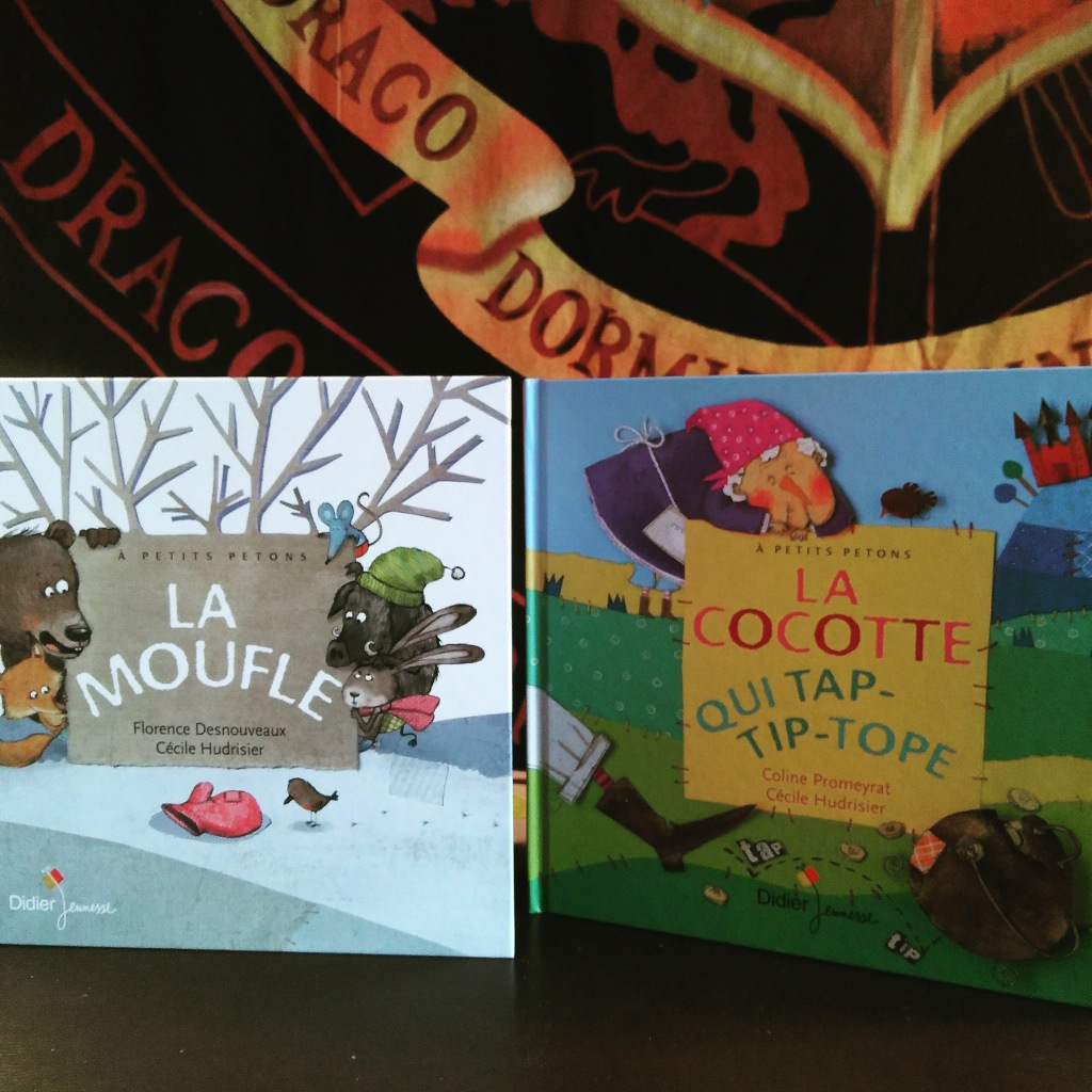 """""""La moufle"""", """"la cocotte qui tap-tip-tope"""" deux livres de la collection à petits petons"""